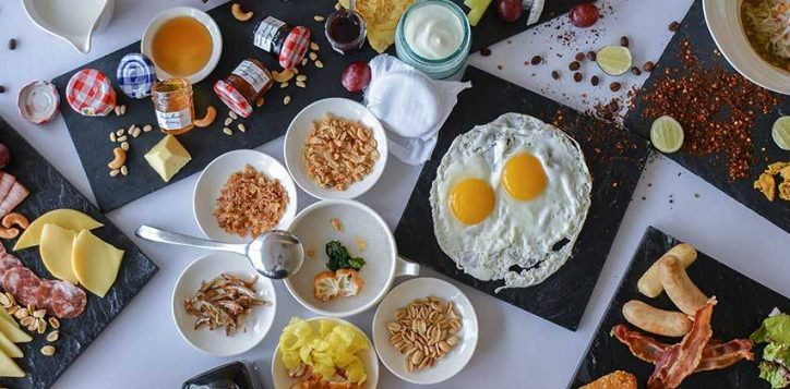 come-2-pay-1-breakfast
